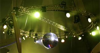 Licht wie z. B. intelligentes Licht, kopfbewegte Systeme, LED und Effektarchitektur-Beleuchtung.