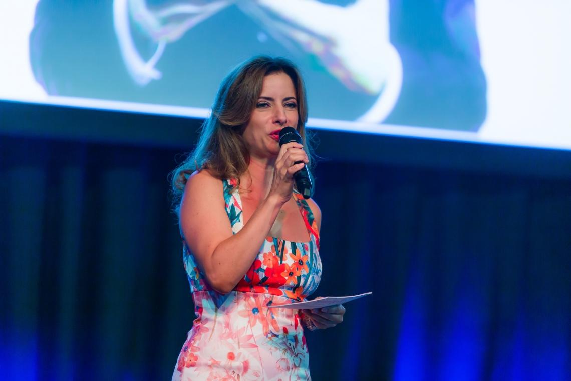 Isabel Florido, mehrsprachige Moderation Isabel moderiert an der Emex 2016