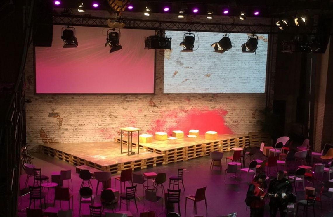 Telekom Dialog Jahreskongress in Berlin Der TelekomDialog ist das Netzwerk für führende Köpfe der IT und TK Branche. Telekom Dialog ist die Premium-Plattform, auf der sich Experten und Entscheider begegnen und austauschen. Dadurch vernetzt sich das Top-Management der Telekom, externe Experten und allen Mitgliedsunternehmen.