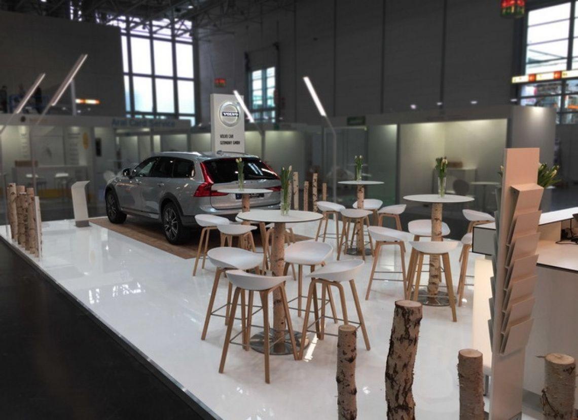 """Messestand Flotte Volvo Car Germany GmbH Planung, Konstruktion und Umsetzung des 72 m2 großen Messestandes """"Flotte! Der Branchentreff, 2017"""" in Düsseldorf."""
