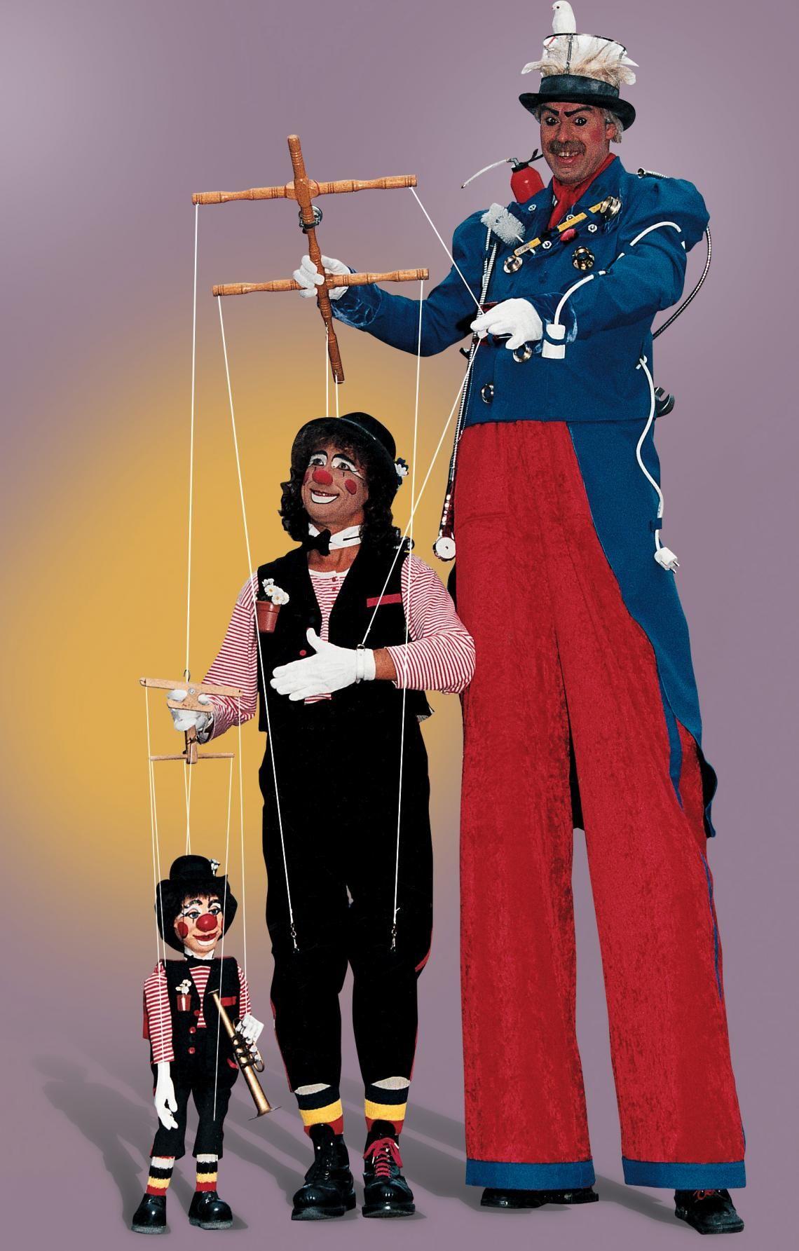 """PICO BELLO's """"La Marionetta"""" - die größte Marionette der Welt! PICO BELLO's """"La Marionetta"""" - die größte Marionette der Welt! """"...Mensch oder Puppe..?"""", staunen die Zuschauer bei dieser fantastischen Variete-Show, die auch international als etwas ganz besonderes gilt."""