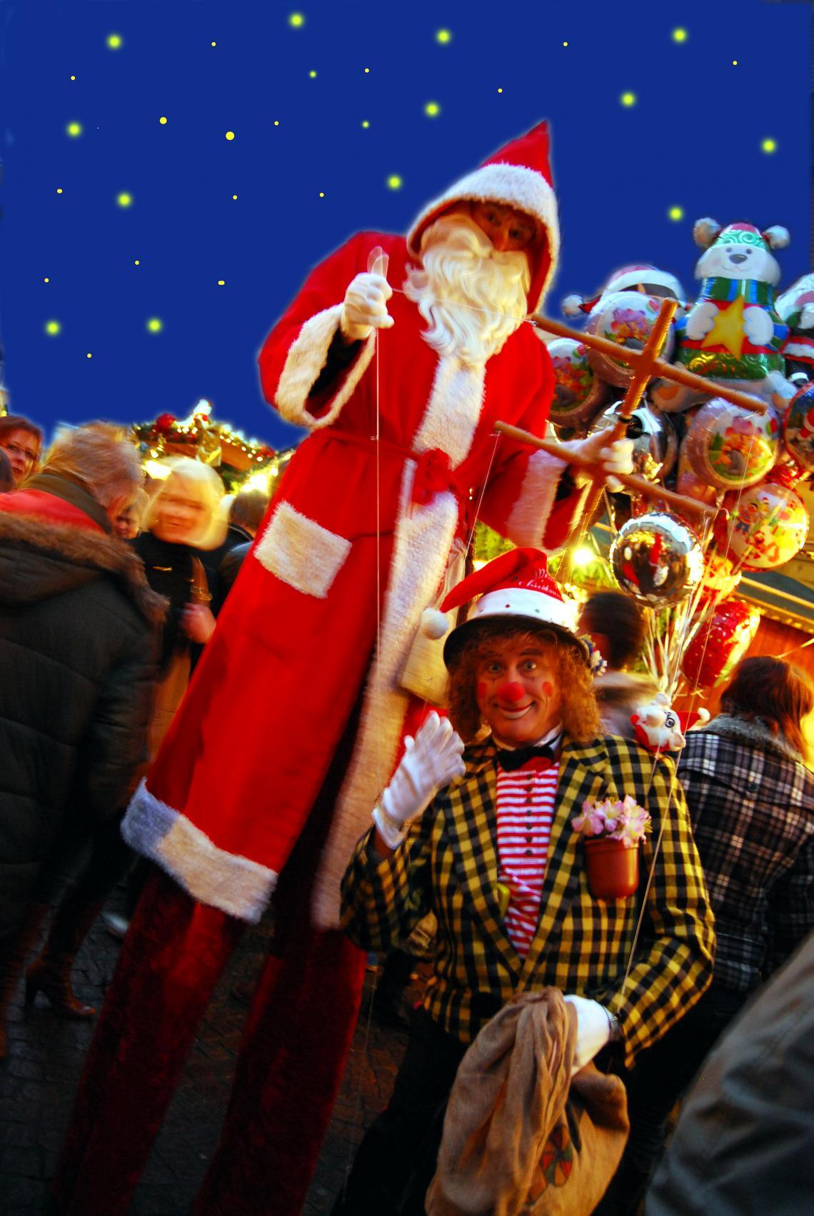 """PICO BELLO's  PICO BELLO's """"Größter Nikolaus!"""" - die Attraktion auf Stelzen! """"Ohhh..., ist der aber riesig..., staunen die kleinen und grossen Zuschauer, wenn sie auf den größten Nikolaus mit seiner lebendigen Clownsmarionette treffen...; einfach unvergessene Augenblicke."""