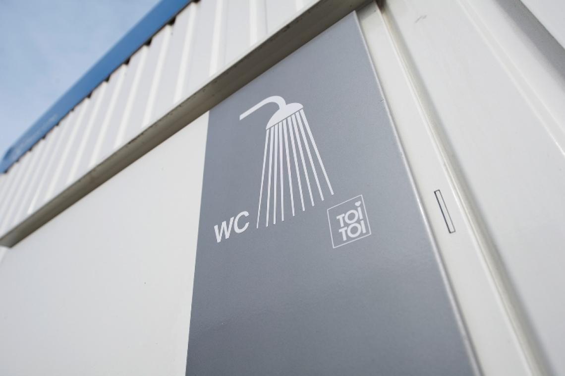 Basic Line Dusch - & WC-Container.  Sie brauchen Dusche, Waschgelegenheit und WC in einem? Hier ist die optimale Lösung – und das gleich in zwei Größen. Die Dusch-/WC-Container Kombi aus der Basic Line, eine perfekte Kombination.