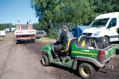 Produktionsfahrzeuge Gator, Golf Carts und Utility Cars – als Aufbauhilfe, Fortbewegungsmittel oder VIP Shuttle bei Veranstaltungen