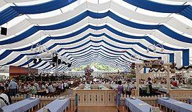 RÖDER Festzelt RÖDER Festzelte sind die perfekte Raumlösung für Volks-, Stadt- und Straßenfeste. RÖDER Festzelt 30x65m zur Allgäuer Festwoche 2010, Kempten.