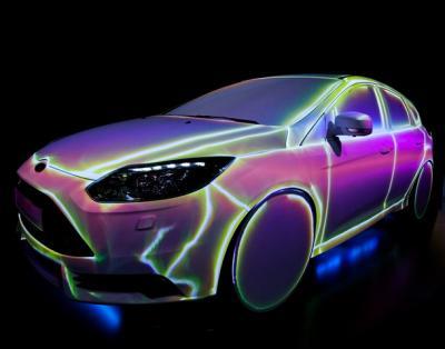 OSRAM - Automechanika 2014 Als Highlight des Messeauftritts auf der diesjährigen Automechanika in Frankfurt, wünschte sich OSRAM  ein aufsehenerregendes Video-Mapping auf einem Ford Focus ST. Das Fahrzeug, in dem die meisten OSRAM-Produkte verbaut sind, sollte in eine spektakuläre Show eingebunden werden, die alle 90 Minuten für einen absoluten Wow-Effekt unter den Besuchern sorgt und gleichzeitig über die Top-Produkte des weltweit führenden Lichtherstellers informiert. Ein grobes Storyboard in Form einer Power Point Präsentation hatten die Verantwortlichen bei OSRAM bereits erarbeitet. Mit der Kreation und Umsetzung der Show-Inszenierung wurden wir von der Winkels Messe- und Ausstellungsbau GmbH beauftragt, die gesamtverantwortlich für das Projekt zuständig war.