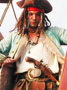 (F)linke Finger auf See Eine unserer Weltmeisterschaftsnummern: Ein Piratenduell um Golddukaten, Schatzkarten und die Seemanns-Ehre.