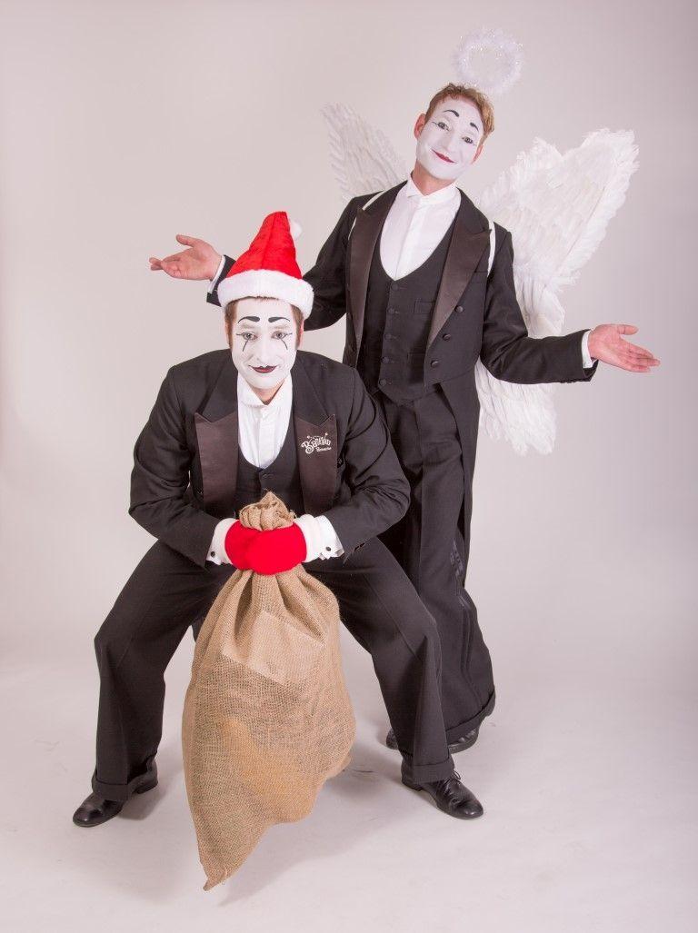 Weihnachts-Walk-Act Ideal in der besinnlichen Zeit: Unser Pantomimenduo unterstützt Sie beim Verteilen der Geschenke an Ihre Mitarbeiter. Aber nicht klassisch als Knecht Rupprecht, Nikolaus oder Christkind. Nein!  Bastian und PAN sind als Pantomimewichtel unterwegs.