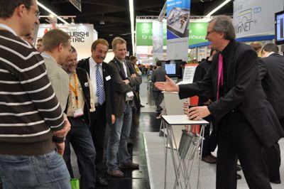 Messe Infotainment Zauberkunst mit Infos über Ihr Produkt.