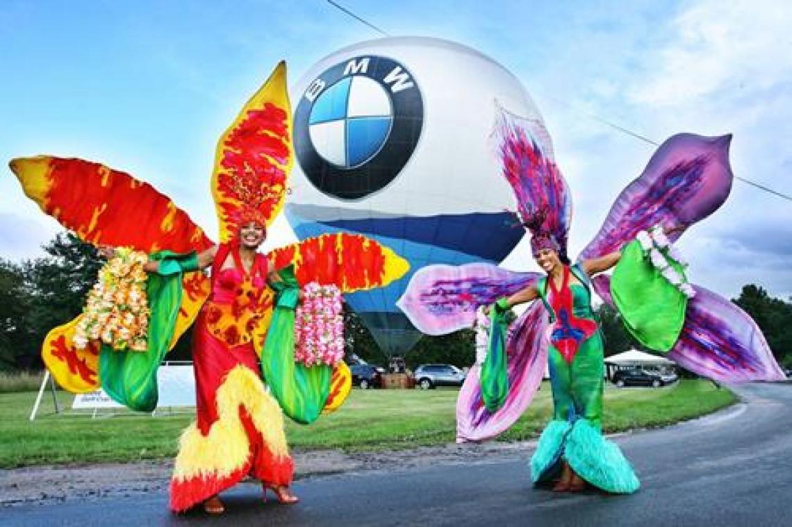 Phantasiekostüme als Walk Act bei BMW Diese hochwertigen und einzigartigen Phantasiekostüme bieten einen absoluten Hingucker bei Firmen-Jubiläen, bei Produkt-Präsentationen, bis hin zu Modenschauen und privaten festlichen Anlässen.