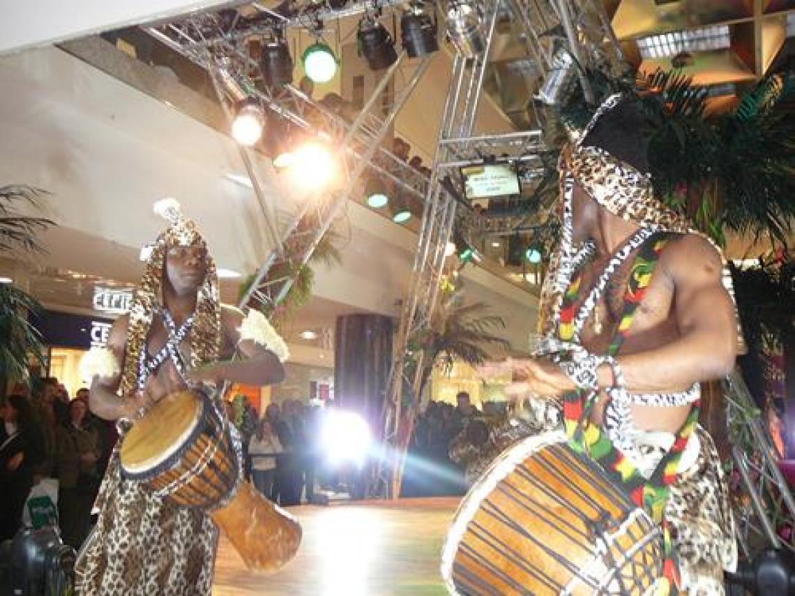 Afrikanische Trommelshows für Einkaufscentren, Messe, Gala, Firmenevents