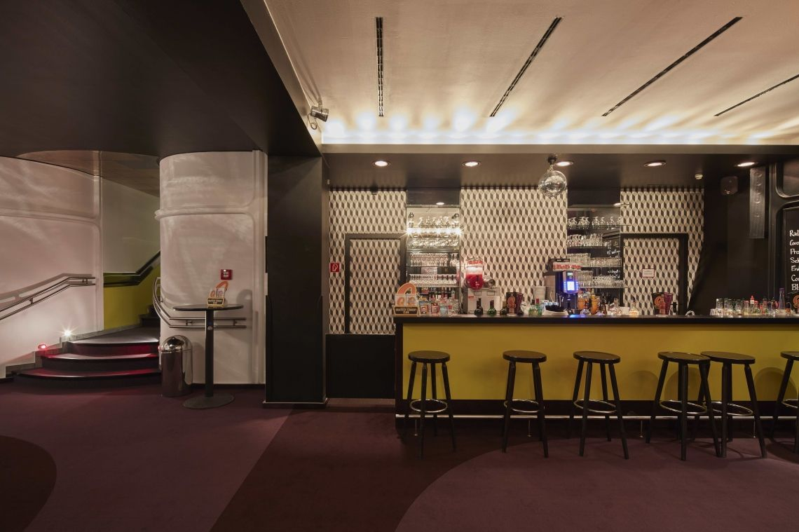 Foyer mit Bar