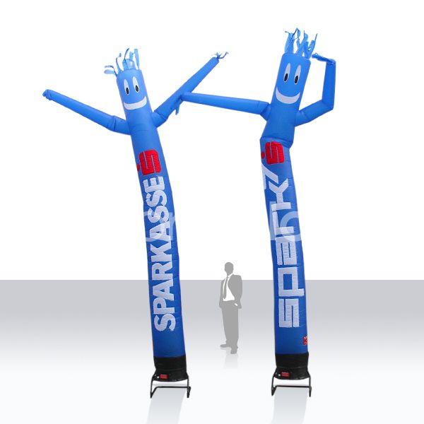 1 beiniger AirDancer/SkyDancer Sparkasse ... Druck und Größe nach Kundenwunsch bei no problaim Die AirDancer/SkyDancer sind 1beinig und 2beinig erhältlich und werden bei no problaim nach Kundenwunsch bedruckt. Die AirDancer sind in den Größen von 5 - 8 m erhältlich und sind schon von weitem ein sympathischer Blickfang.