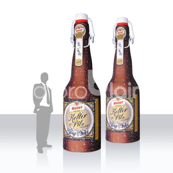 aufblasbare Flasche / Riesenflasche / Werbung für Brauerein - Flasche XXL Keller Pils Anfertigung von riesigen aufblasbaren Flaschen, Dosen und sonstigen Produkten nach Kundenwunsch. Die Größen reichen von 2m indoor bis zu 5 oder 6m für den Outdooreinsatz. Fast jede Form und Größe ist möglich. Der Druck erfolgt rundum 4c nach Kundenvorgabe. LED Beleuchtung sorgen für Aufmerksamkeit bei Einsätzen in der Dunkelheit. Der Auf- und Abbau ist äußerst einfach. Lassen Sie uns wissen was Sie brauchen - wir erstellen Ihnen gerne ein kostenfreies Angebot !