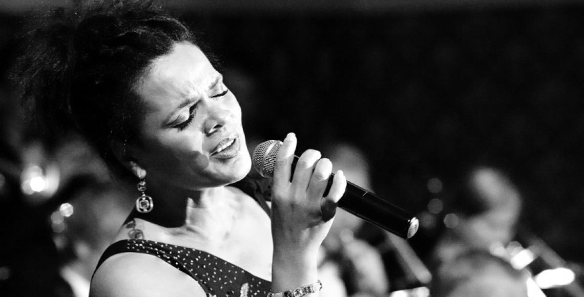 Zusatzkünstlerin: Sängerin Jacqueline Boulanger  Christoph Alexander & Friends: Jacqueline Boulanger (Gesang) - Temperament & Vielseitigkeit, was mitreisst und begeistert - Emotion Voice!