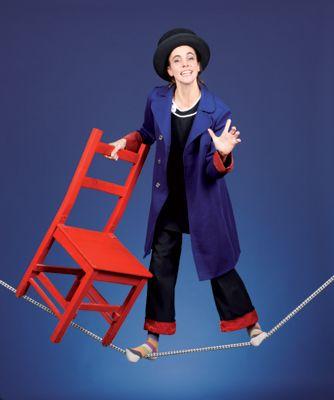 Feinsinniger Humor, bunte Zirkusrequisiten und wahnwitzige Balance-Akte Ihr feinsinniger Humor, bunte Zirkusrequisiten und wahnwitzige Balance-Akte garantieren beste Unterhaltung und Mitmachstimmung.