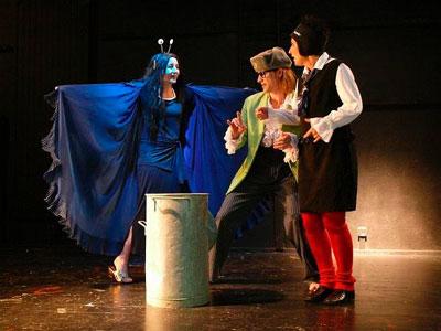 Business-Theater Unser Comedy Interaktiv- Business-Theater ist ein Spiegel, setzt überraschende Impulse, bewirkt Veränderungen und Erkenntnisse.