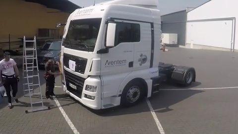 Video: Zeitraffer Beklebung Truck