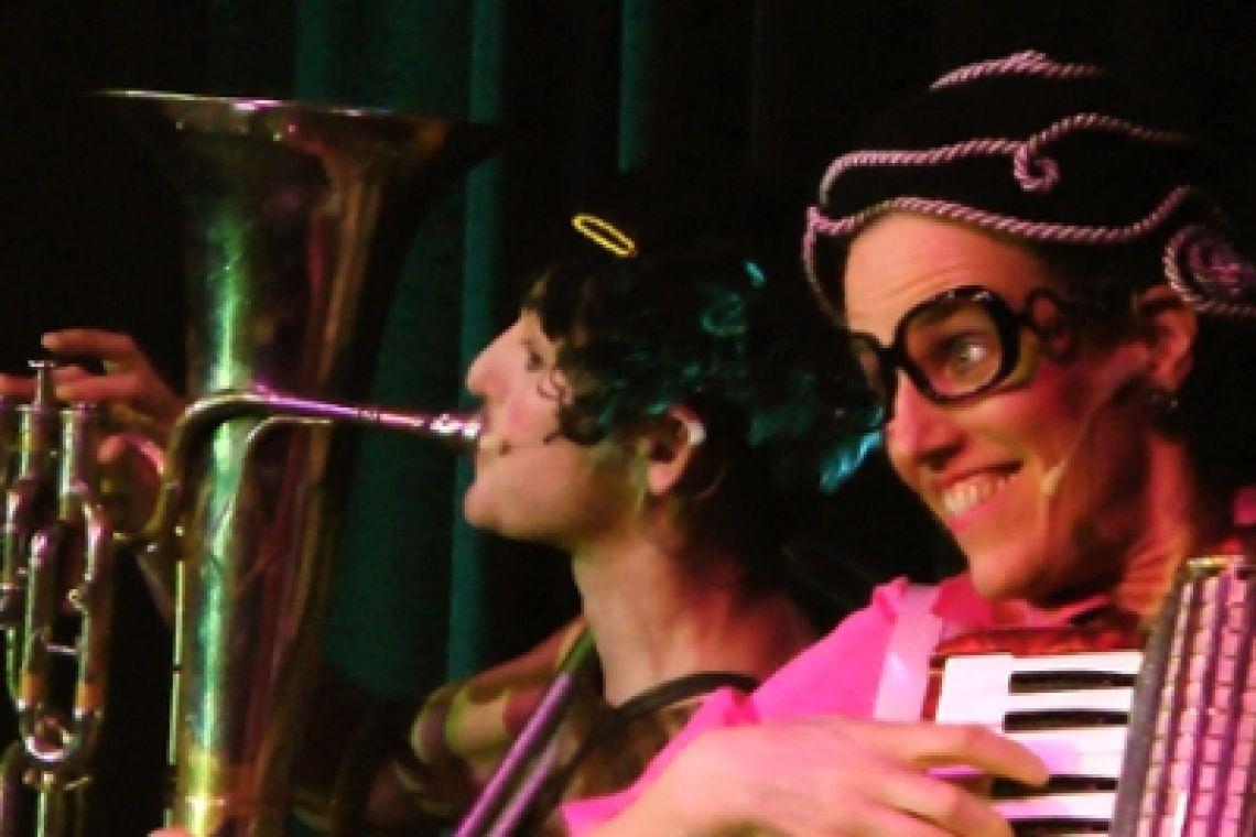 """Klara & Giselle """"Music - live on stage"""""""