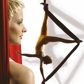 Andrea Engler Luftartistik am Vertikaltuch & Hula Hoop