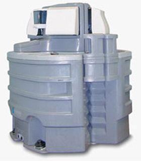 Waschstand Waschstand (2-Personen)  Höhe: 121 cm Breite: 128 cm Tiefe: 55 cm Fassungsvermögen Tank: 227 Ltr Gewicht: 36 Kg.  1 St. Seifenspender 2 St. Papierhandtuchhalter