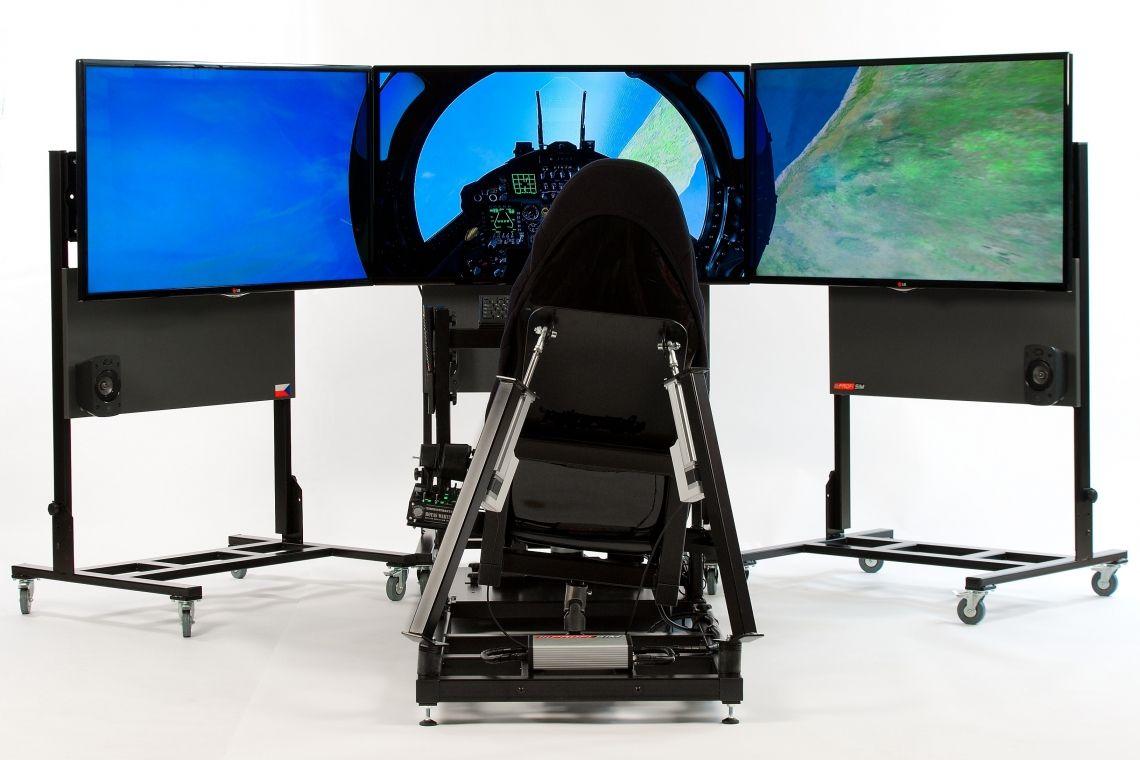 Full Motion Flugsimulator / full flight simulator  Über den Wolken! Unser Full-Motion-Flugsimulator bietet ein realistisches Flugerlebnis für höchste Ansprüche. Die exklusive 2-Achsen-Bewegung simuliert die Flugzeugbewegung mit allen Facetten und gibt dem Benutzer das Gefühl der grenzenlosen Freiheit. Dieser speziell entwickelte Simulator lässt keine Wünsche offen. Sowohl Anfänger als auch erfahrende Piloten werden von der Full-Motion-Technologie begeistert sein. Das Flüggefühl wird durch die hochwertigen Steuerelemente und die detailliert dargestellten Landschaften abgerundet und komplettiert eine nahezu perfekte Simulation. Freuen Sie sich auf beeindruckte Reaktionen Ihrer Kunden, Freunde und Besucher!