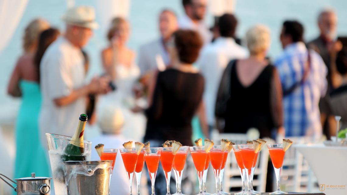 Event, Eventagentur, Location, Firmenfeier.    Die schönsten Locations der Welt für Ihre Firmenfeier. Events die beeindrucken.