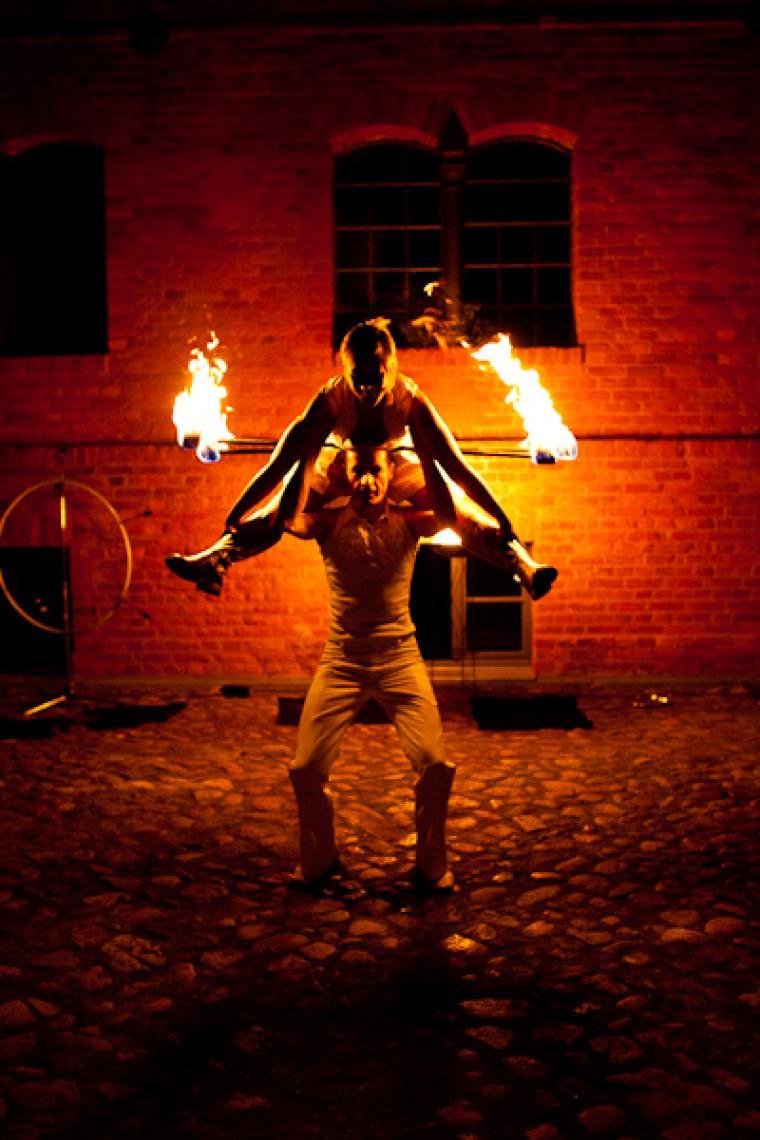 Herzensfeuer Duo Herzensfeuer ist eine Show für sinnliche und feierliche Momente!