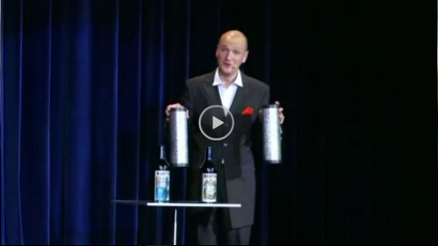 Video: Jan Mattheis mit Flaschentrick
