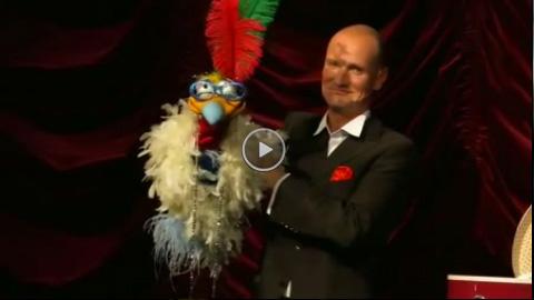Video: Jan Mattheis mit alter Diva