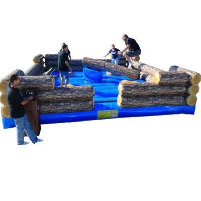 Redneck Games - LogSlammer Modul 1: LogSlammer Bei diesem Modul stehen vier Teilnehmer auf jeweils einem Podest und müssen dem nahenden Baumstamm ausweichen indem sie über diesen springen oder sich darunter durch ducken.