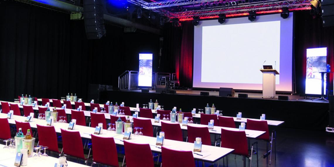 Halle 32 - großer Saal - Tagung