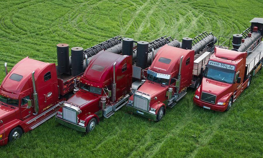 Unsere BBQ-Trucks - jeweils mehr als 3 Tonnen pure Grillfaszination