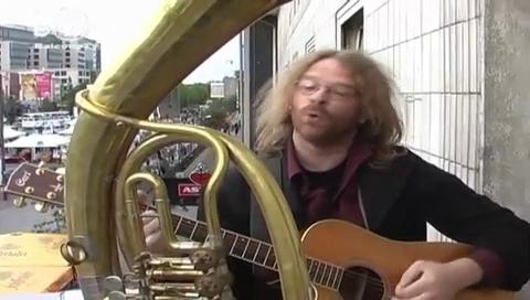 Arnold Dojen - balconytv
