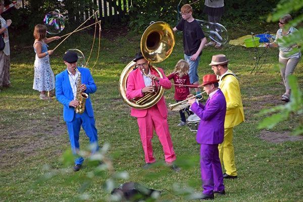 Elastic Soap Jazz Band New Orleans Sound und mehr mit außergewöhnlichen Arrangements und frischen Grooves