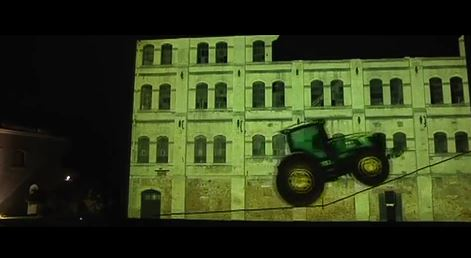 Setting Directions, Projection Mapping