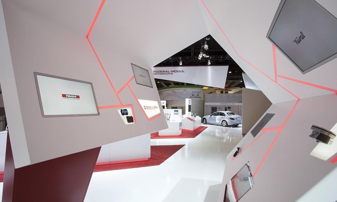 AUTOMECHANICA Frankfurt |  Programmierung eines interaktiven Infotainment-Systems, LED Streifen