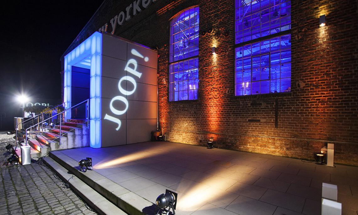 DOCK.ONE Köln |  Separate Abendveranstaltung mit Award Verleihung, Gerneralunternehmer Messebau, Medientechnik, Ton, Licht und Traverse