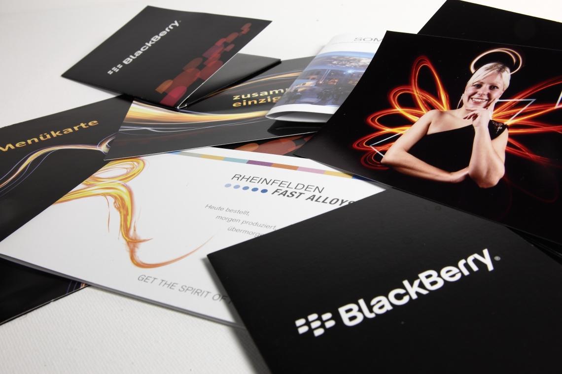 Lightpainting Foto Station-  Abzüge sofort vor Ort - stylische Giveaways - Eventbranding & Fotomappen