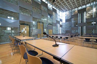 Haus Witten � Konzertsaal � parlamentarische Bestuhlung
