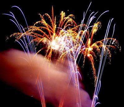 Feuerwerk, farbenfrohe Sensation am Himmel und Boden! Jubiläen, Firmenfeiern, Stadtfeste, Geburtstage, Hochzeiten, Shows, Eröffnungsfeiern, Produktpräsentationen, Großveranstaltungen, Open Air Veranstaltungen, Sportevents, Meisterschaftsfeiern, Einweihungen, Jahrmärkte, Privatfeiern, Bälle, Familientage, Silvesterfeiern, Tourneen und Festivals mit dem passenden Feuerwerksspektakel.