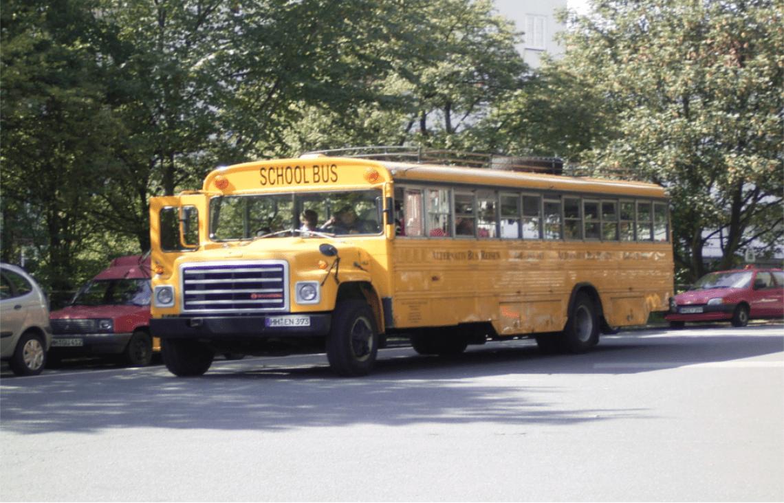 Amerikanischer Schulbus Original amerikanischer Schulbus für Hochzeiten, Jubiläen, Geburtstagen. Transfer und Rundfahrten.
