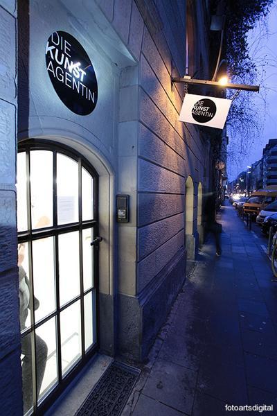 LOCATION Auf rund 400qm Fläche bietet die Kunstagentin eine exklusive Eventlocation mitten im Belgischen Viertel, dem Szenetreffpunkt Kölns.