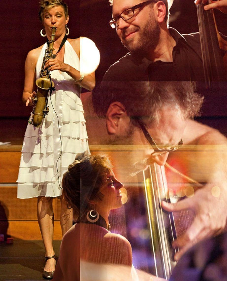 Helen Hofmann und Hanns Höhn, die vier H's an Kontrabass und Saxophon Der große Jazzbassist Hanns Höhn unterstützt und trägt die schwebenden Klänge der Saxophonfrau mit Groove und Melodie und reichen Ideen. Das Duo begeistert konzertant und als WalkingAct als musikalischer Ohrenschmaus!