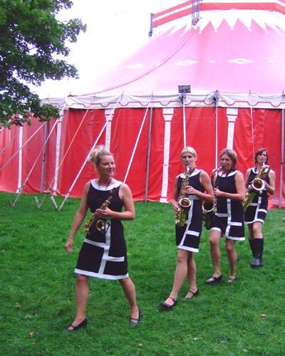 Musikalischer walk-act vor der Show Musikalischer walk-act vor der Show.