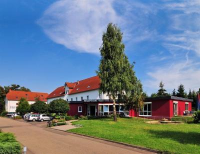 Hotel Speyer am Technik Museum Übernachten Sie nach getaner Arbeit in unserem Hotel Speyer am Technik Museum, das in einer ruhigen und doch zentralen Umgebung liegt.