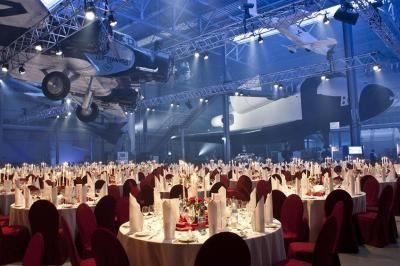 Raumfahrthalle Erkunden Sie Europas größte Raumfahrtausstellung hautnah und genießen Sie dort ein unvergessliches Dinner unter den Flügeln des Space Shuttles BURAN.