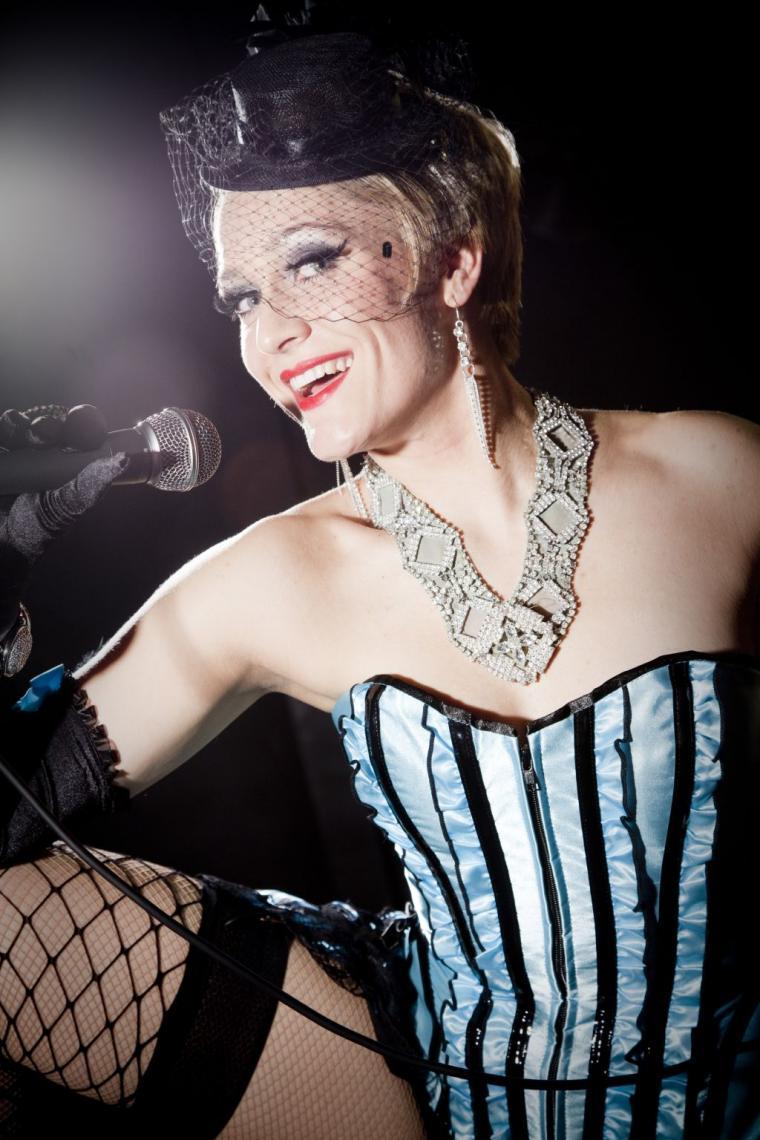 Burlesque Tänzerin Felicia