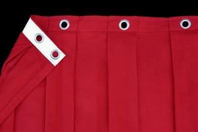 Verstärkt mit Gurtband Die Schwere dieses Vorhanges erfordert es, die Ösen vor dem Ausreißen zu sichern. Daher nähen wir vor dem Ösen rückseitig ein stabiles Gurtband mit ein.