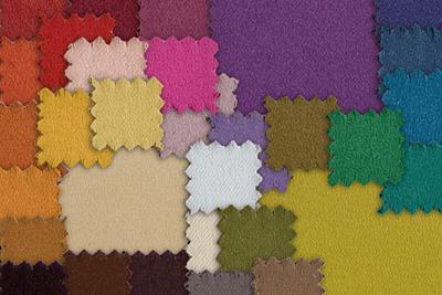 Midnight FR Midnight FR ist ein schweres Polyestergewebe, 260 g/m², 150 cm breit, in zahlreichen Farbschattierungen mit einem Abdunklungsgrad von 99 %, waschbar, ideal geeignet für Bühnenbau, Fotoshooting und im Eventbereich.